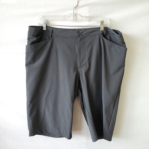 Specialized Dark Gray Nylon Shorts with Reflector - size 40