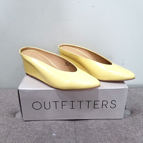 Urban Outfitters Butter Yellow Wedge Mules - size 8