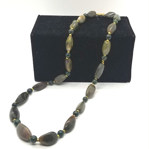 Glossy Stones Necklace