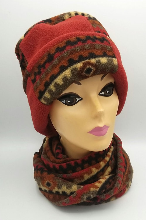 Suzknits Fleece Hat & Scarf Set