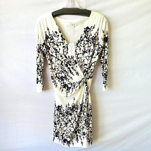 Jessica Simpson Wrap Style Dress with Sash Belt - size  6 - New