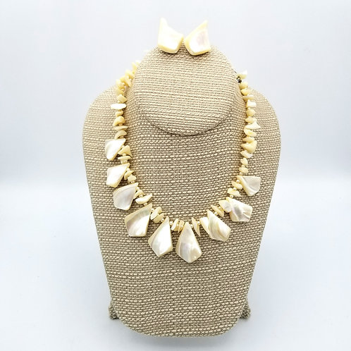 Vintage Shell Necklace with Clip On Earrings