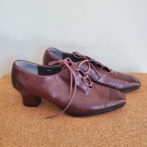 Vintage Pierre Cardin High Heel Oxfords - approx size 6