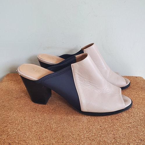 Nic + Zoe Leather & Neoprene Mules - size 8