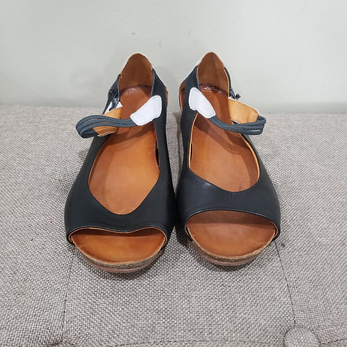 Spring Step Leather Mary Janes - size 40