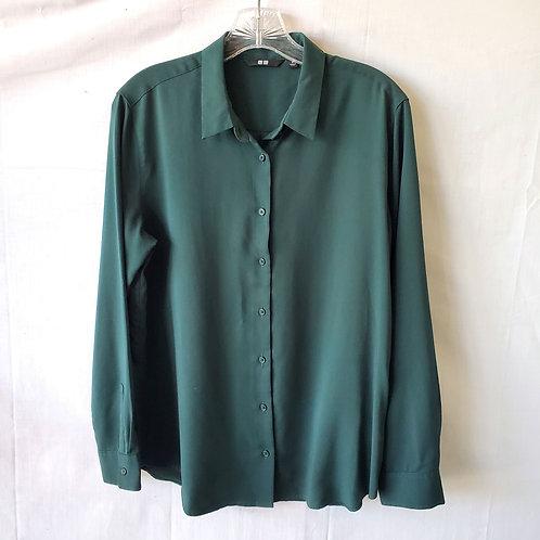 Uniqlo Hunter Green Button Up Shirt - M