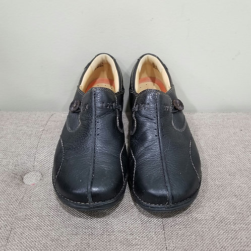 Clarks Unstructured Black Slip On Shoes - size 9.5