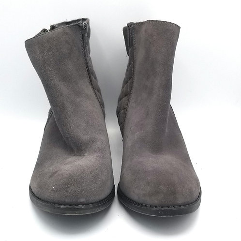 White Mountian Gray Suede Quilted Booties - size 9.5