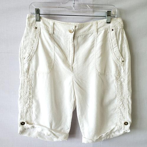 Chico's Linen Shorts with Lace Applique - size 0/S
