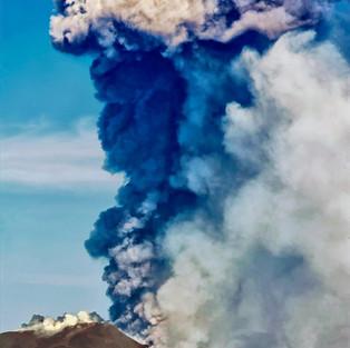 Il vulcano Etna in attività
