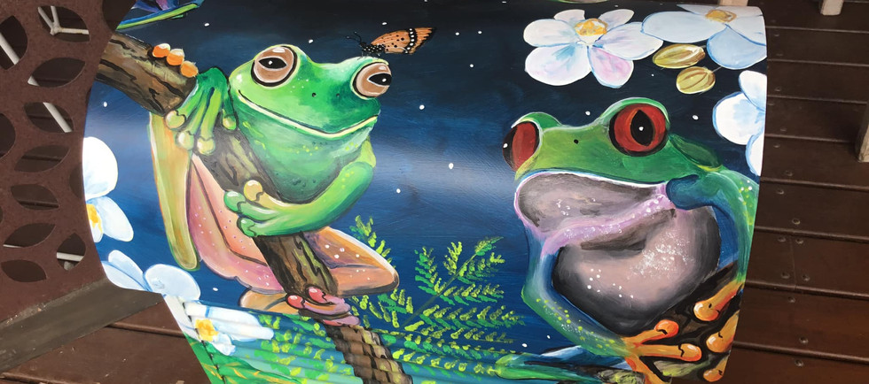 Frogs 3.jpg