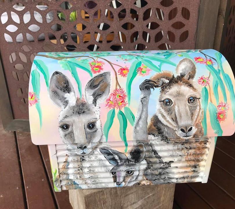 Eastern grey kangaroos 2.jpg