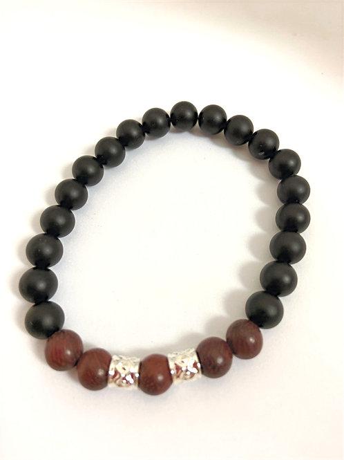 Bracelet en Agate noire et bois de Santal
