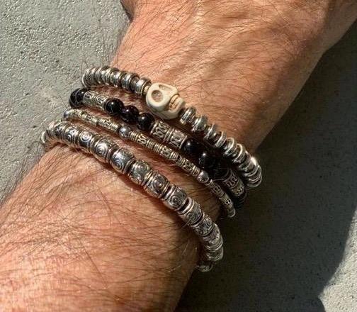 bracelets hommes.jpg
