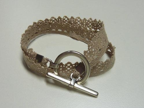 Bracelet ruban dentelle beige