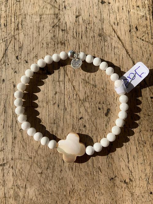 Bracelet en jade Mashan blanche trèfle en nacre