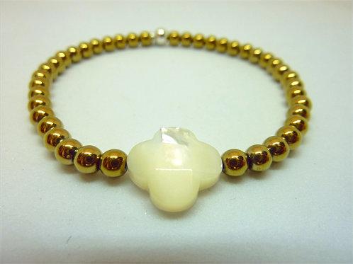 Bracelet en hématite dorée trèfle nacre