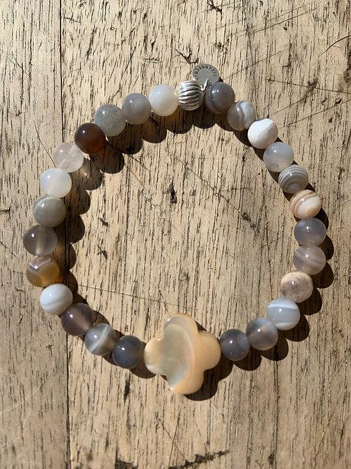 Bracelet en agate du Botswana trèfle en nacre