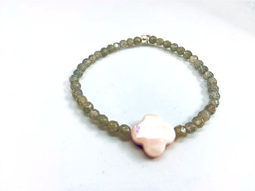 Bracelet en Labradorite trèfle nacre