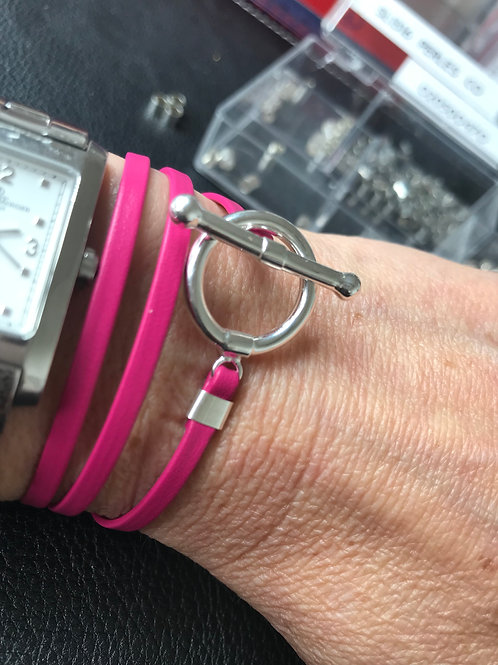 Bracelet ruban cuir magenta