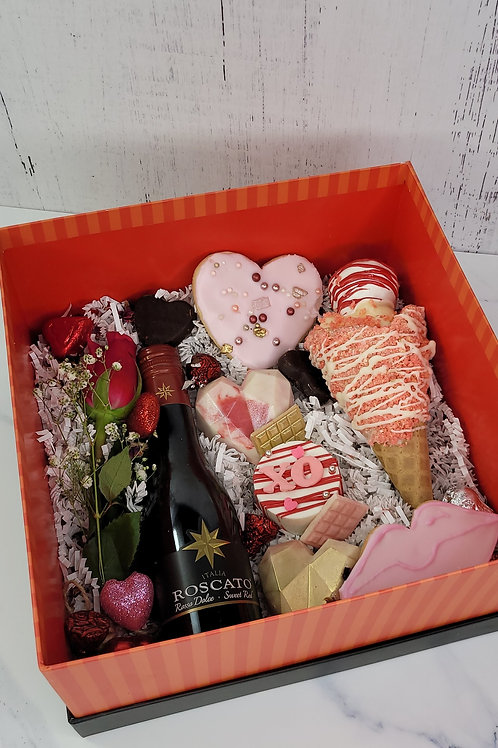 """Drunk In Love"" Large Treat Box"