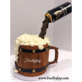 Custom Shaped Gravity Defying Cakes