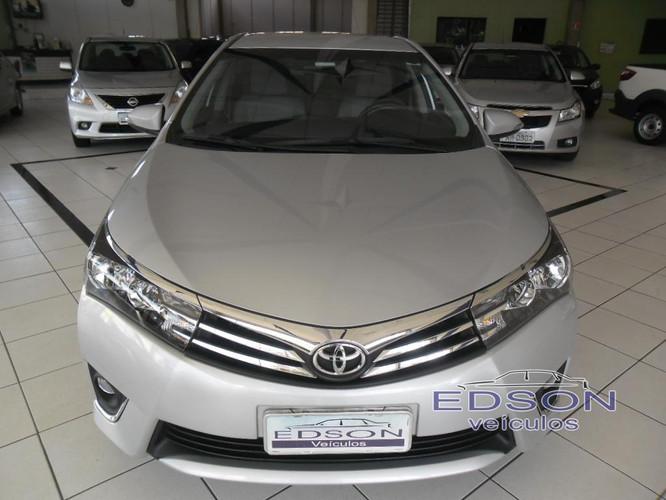 Edson_Veículos_-_Araras_-_SP___Toyota_Co