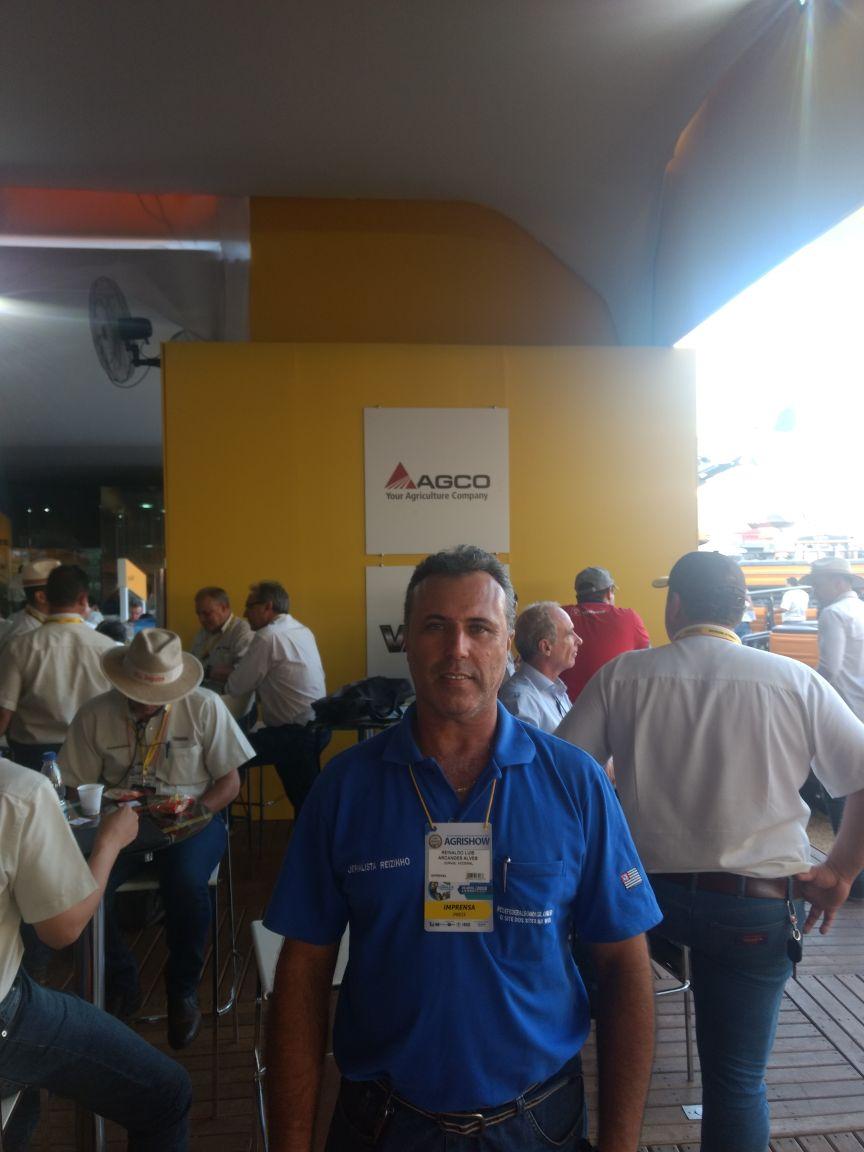 AGCO_Massey_x_Valtra_-_Agrishow_Publicitário_e_Jornalista_Reizinho