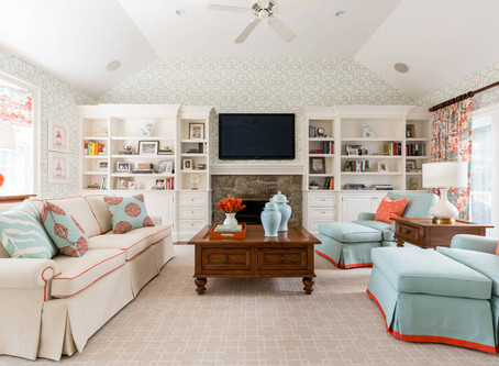 NEW CANAAN: SUNNY AND BRIGHT FAMILY ROOM