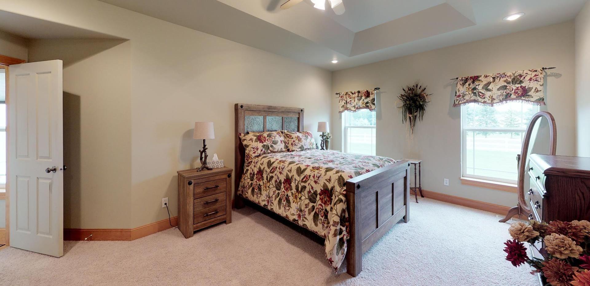 KFr8RyMwd2q - Bedroom(2).jpg
