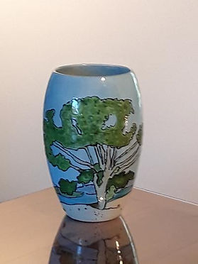 large vase with trees other side.jpg