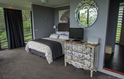 Guest-house-bed-2