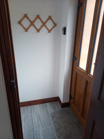single room lobby.