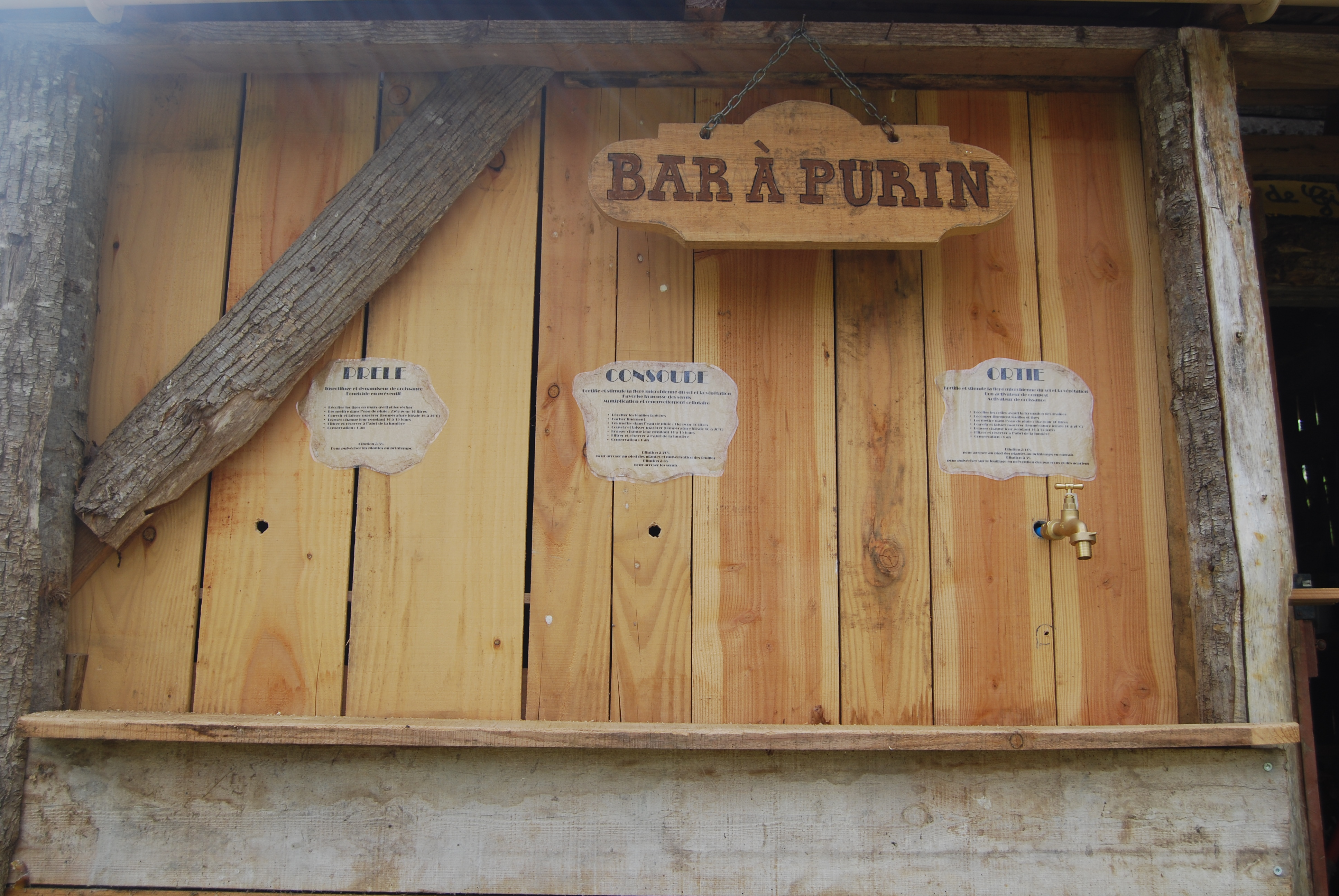 Le bar à purins en construction