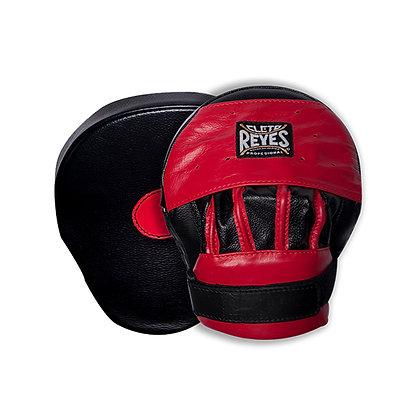 Cleto Reyes Curve Punch Mitts Hook and Loop Closure