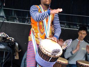 Danse africaine et djembé à Vernouillet en fête.