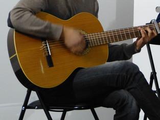 J - 1 audition de guitare