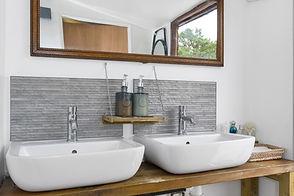 Washroom Sinks.jpg