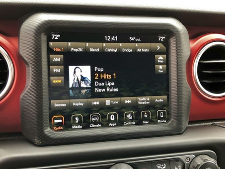 Jeep Wrangler Alpine Audio Crackling, Cracking, Static, Blown Noise Sound