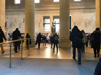 Commuters passing though the great hall of Union Sation