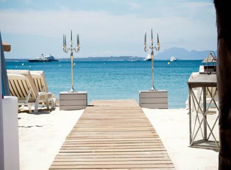 Hôtels Antibes en Août: Hôtels Moins Chers à Antibes avec le Club de Voyage Privé P2S Travel..
