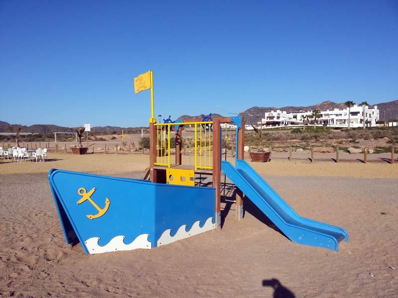 beach1_l.jpg