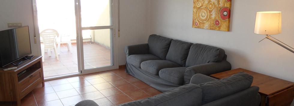402a_lounge2.JPG