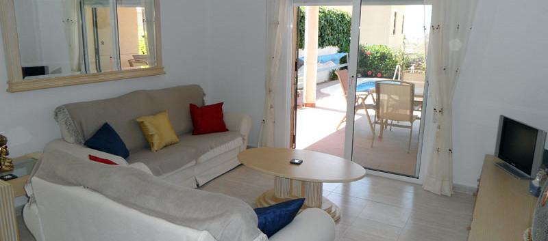 lounge1_l.jpg
