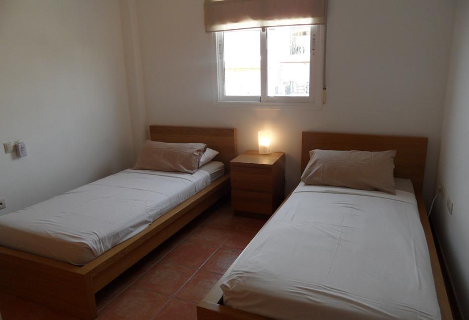 402a_bedroom2.JPG