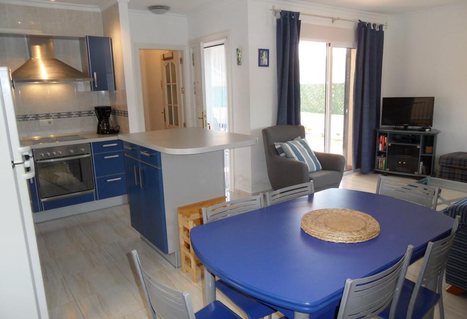 Martino-kitchen2.JPG