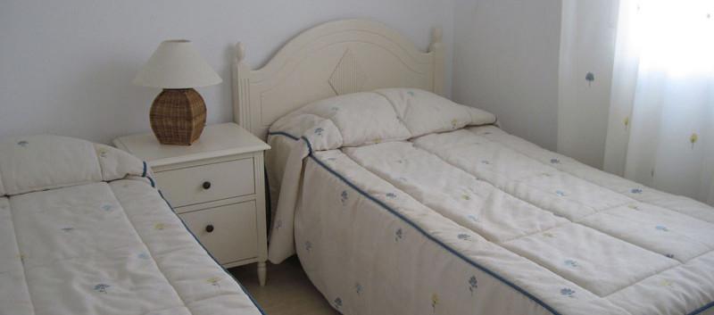bed3_l.jpg