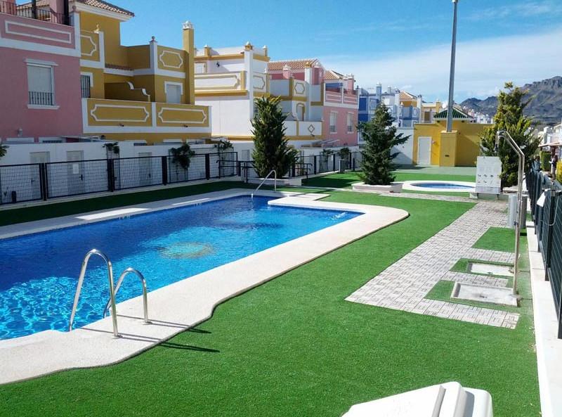 piscina_l.jpg