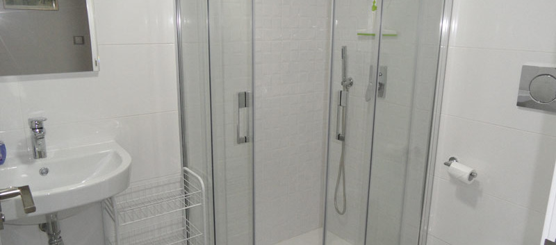 showerroom1_l.jpg