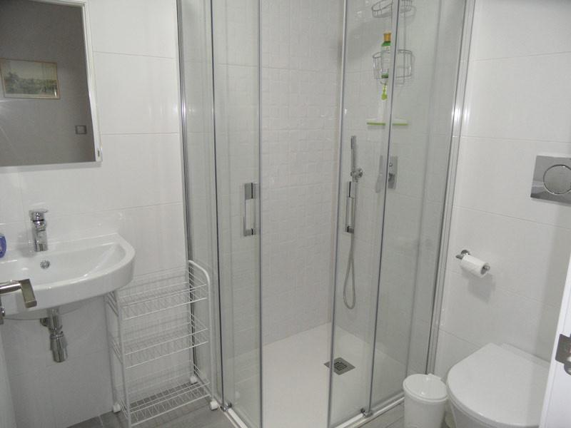 showerroom1_l.jpg